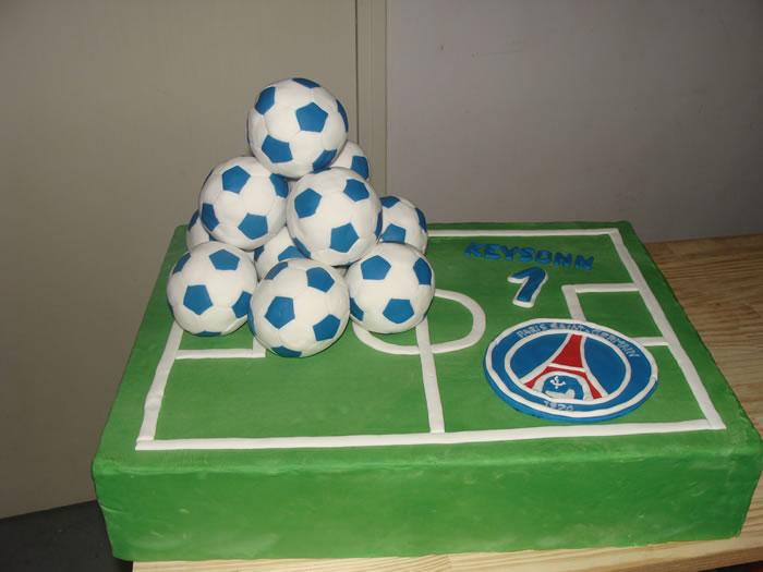Une Pièce Montée De Ballons De Foot Psg Ma Boîte à Gâteau Cake