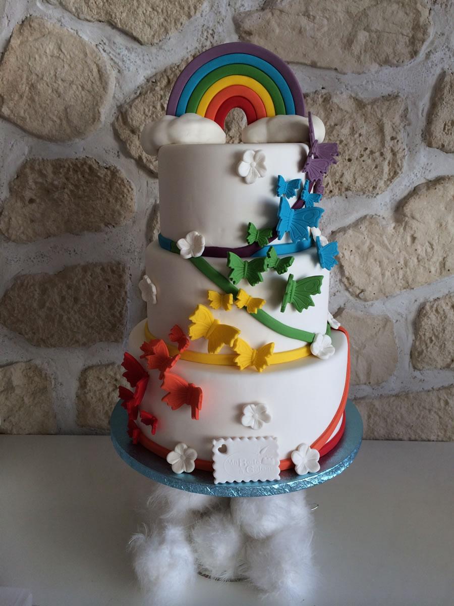 wedding cake papillon et arc en ciel ma bo te g teau cake designer p tissier. Black Bedroom Furniture Sets. Home Design Ideas